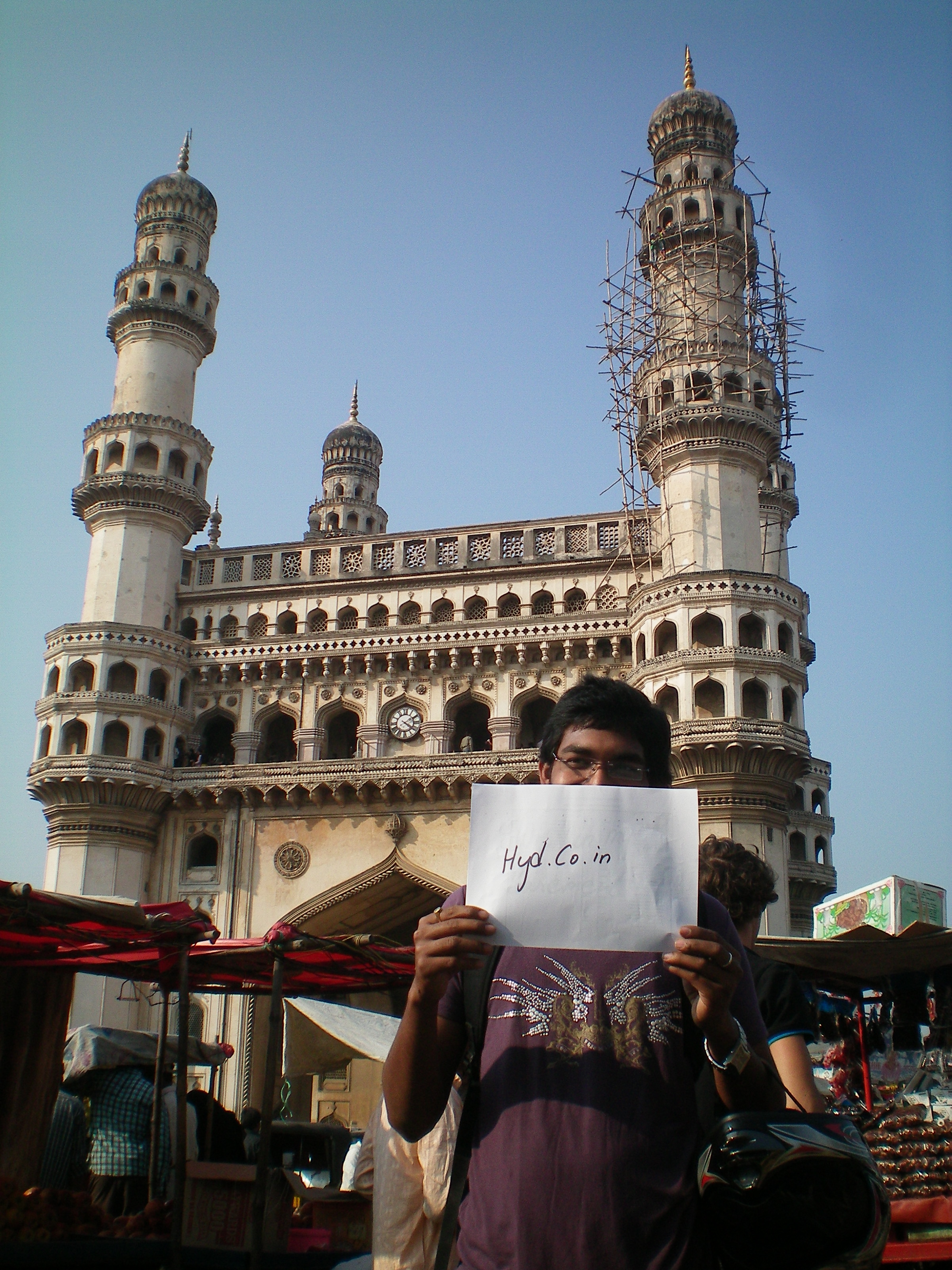 information on charminar The charminar stands at the heart of hyderabad's main bazaar area (also known as charminar), a labyrinth of lanes crowded with shops, stalls, markets and shoppers.
